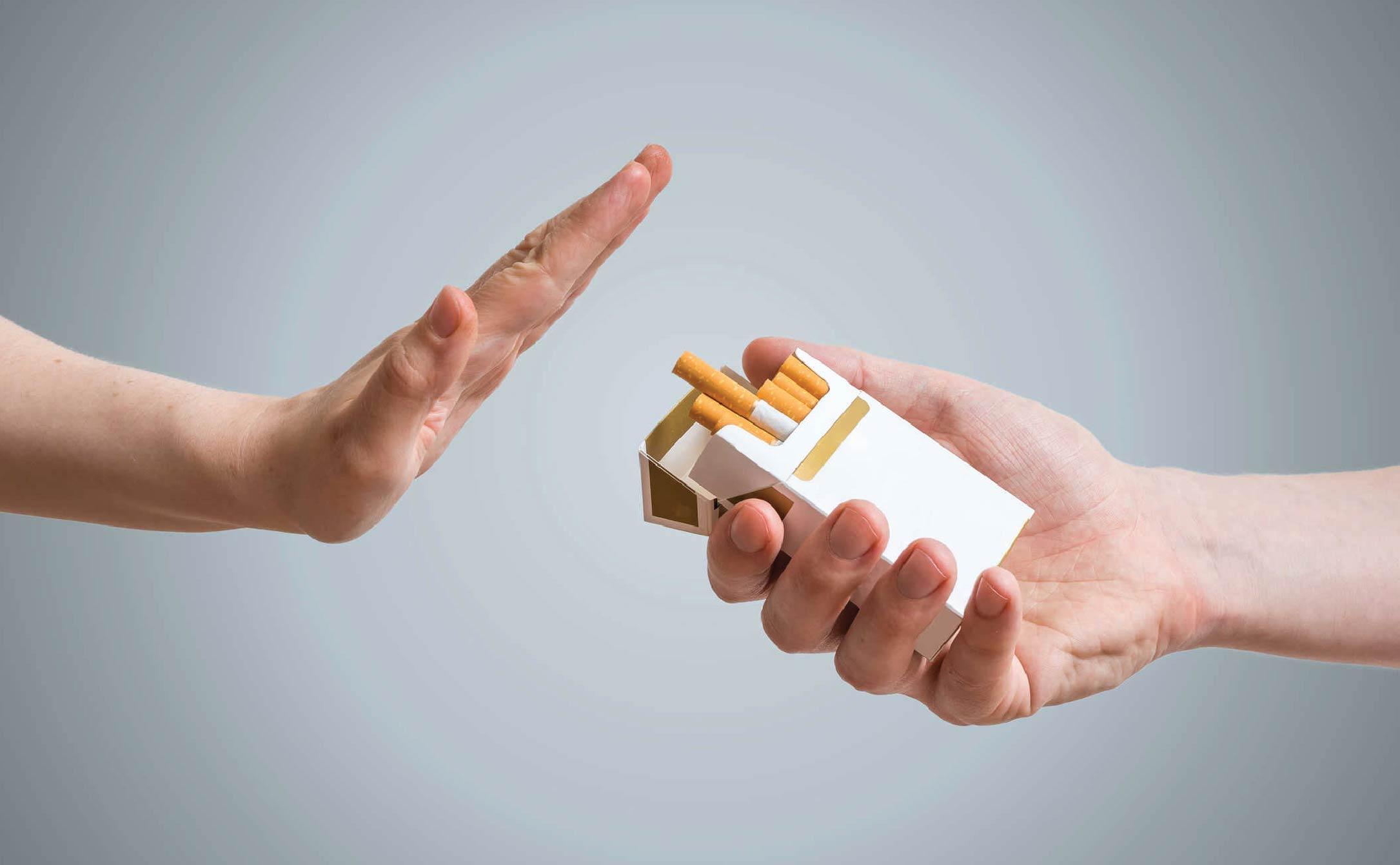 Bỏ thuốc lá vì sức khỏe răng miệng